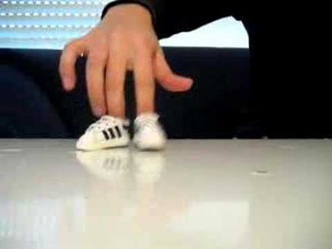 Amazing Fingers Break Dance