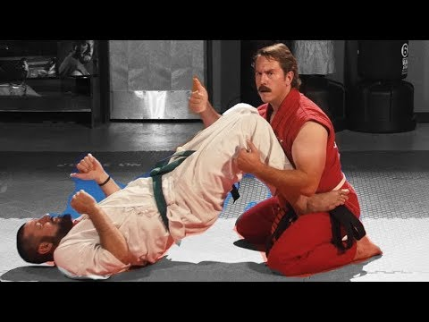 Gracie Shows Jiu Jitsu To The World