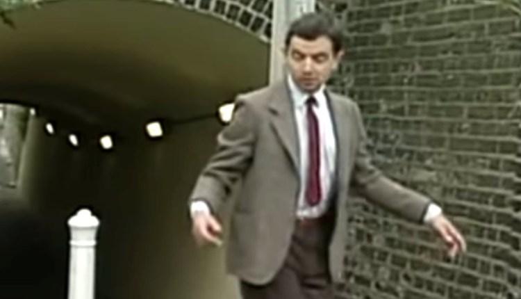 A Hilarious Mr. Bean Street Comedy Scene