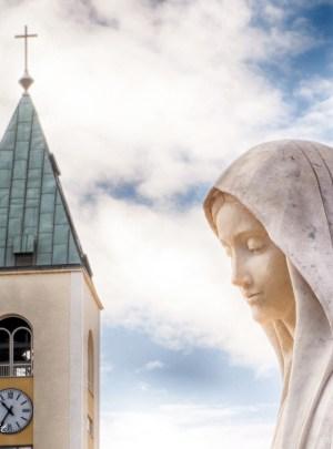 medjugorje聖ジェームズ鐘楼の聖母
