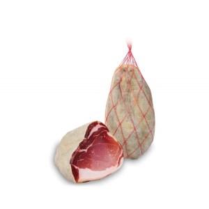 fiocco di prosciutto crudo c cotenna intero o in due meta sottovuoto da 2 kg a013 1.1