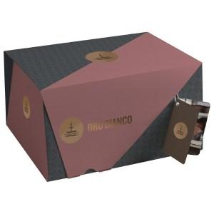 oro bianco scatola con crema di mandorle e ricoperto di glassa bianca e fogliame di mandorle da 1000 d112 1