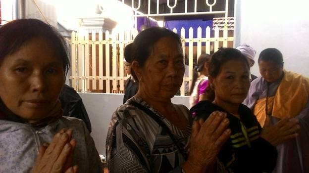Từ trái sang phải: Dân Oan Vũ Thị Hải, DO Nguyễn Thị Gấm, DO Lê Thị Vân.