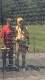 vietnam veterans at the wall