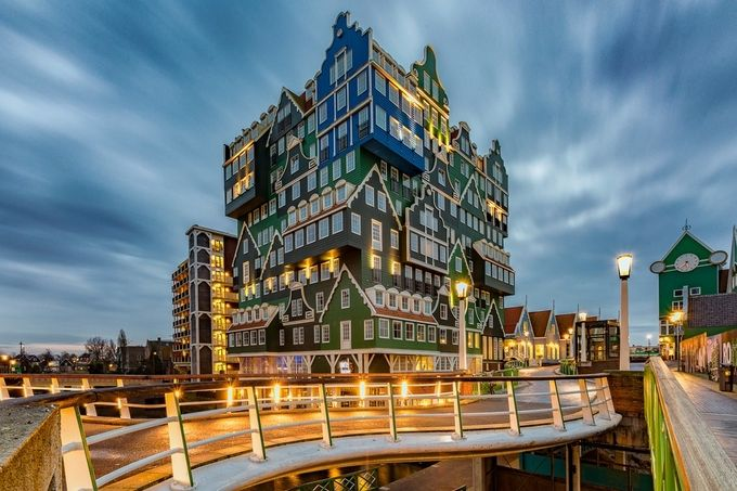 Stacked Houses of Inntel Hotel by ericcriswell - Unieke locaties Fotowedstrijd