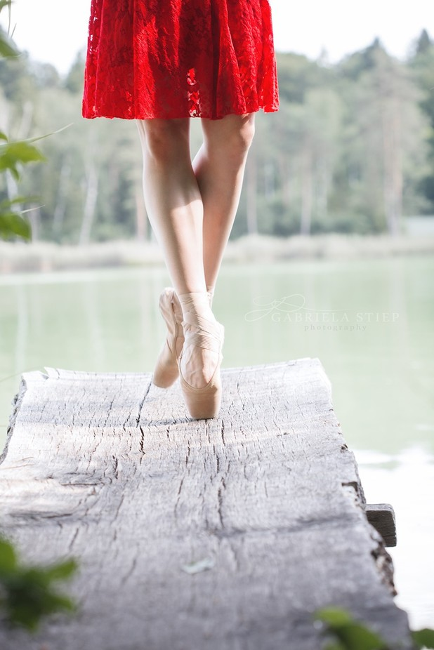 Emese en pointe by gabrielastiep - Unieke locaties fotocompetitie
