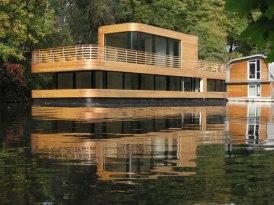 houseboat-01