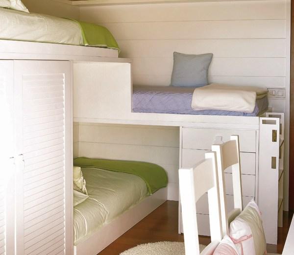 Μικρό δωμάτιο για τρία αδέρφια