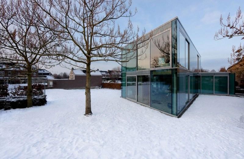 Γυάλινο σπίτι με αισθητική Loft