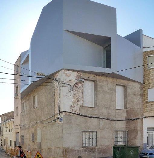 Σύγχρονο διαμέρισμα πάνω σε παραδοσιακό κτίριο