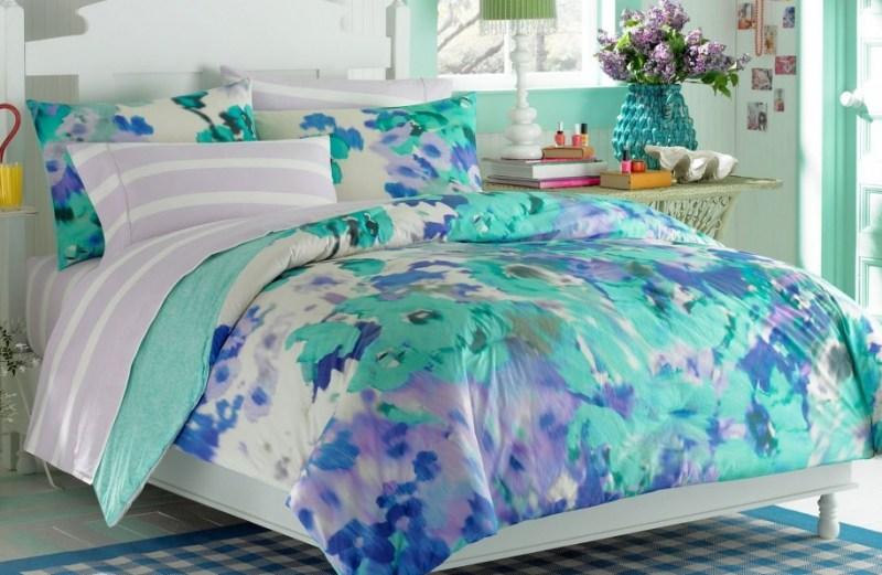 Κρεβατοκάμαρα με μπλε άσπρο και πράσινο