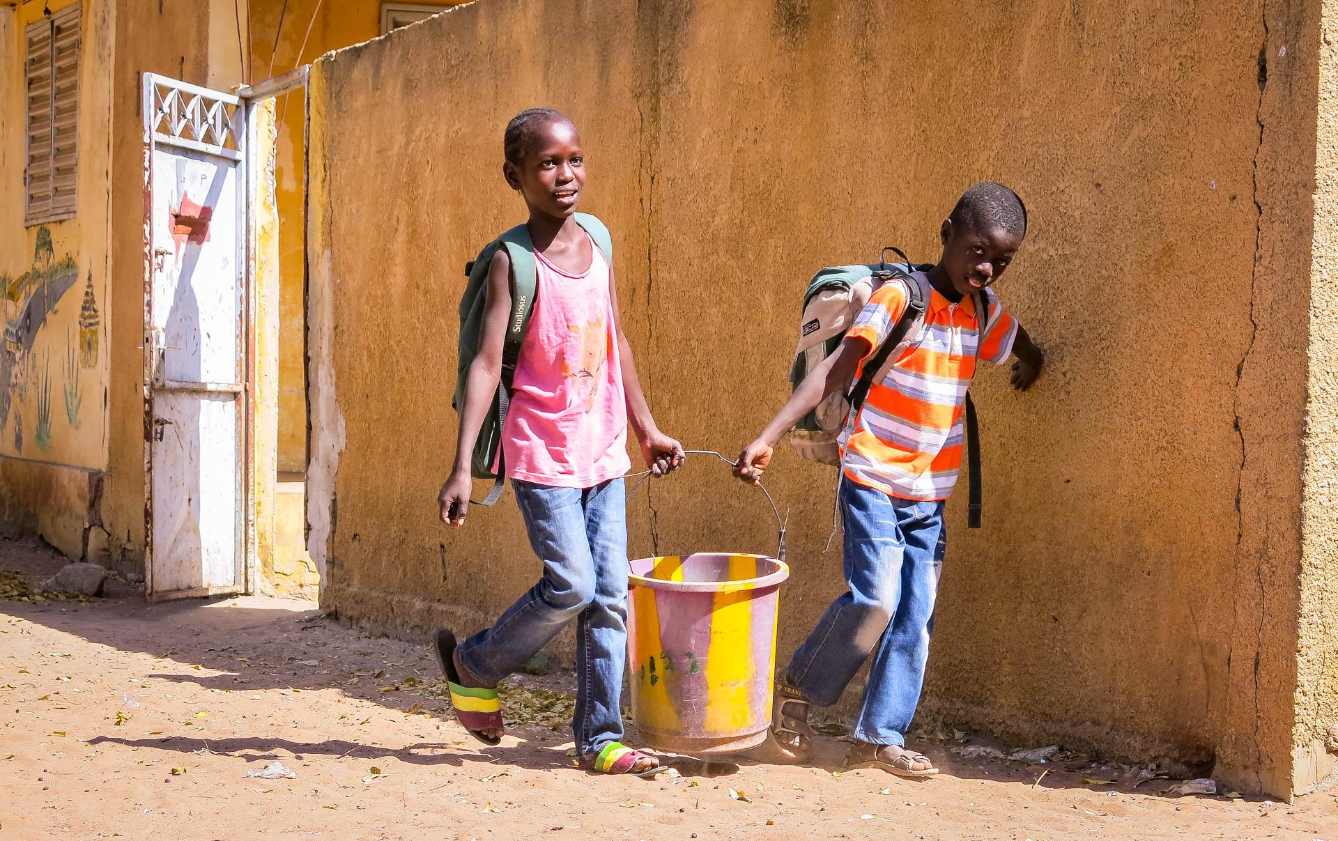 Wassertraeger für die Schule