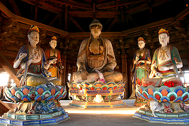 Buddhist statues in the pagoda