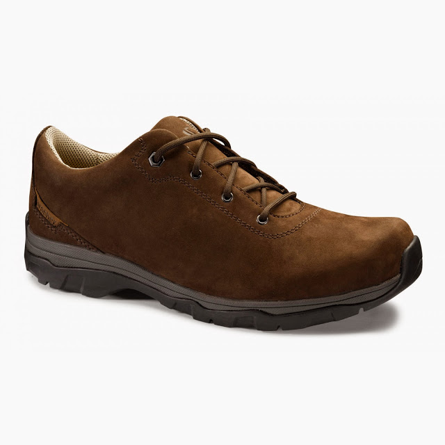 brasher traverser mens travelling shoes review walking