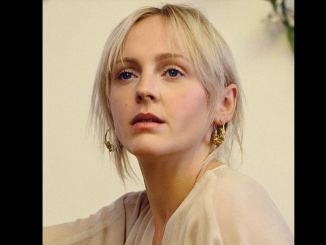 LAURA MARLING – DON'T PASS ME BY