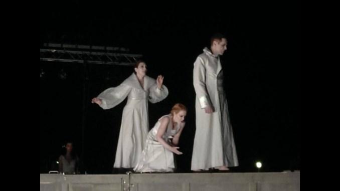 Είδα Την «Ιφιγένεια Εν Αυλίδι» Σε Σκηνοθεσία Αιμίλιου Χειλάκη και Μανώλη Δούνια - Κριτική