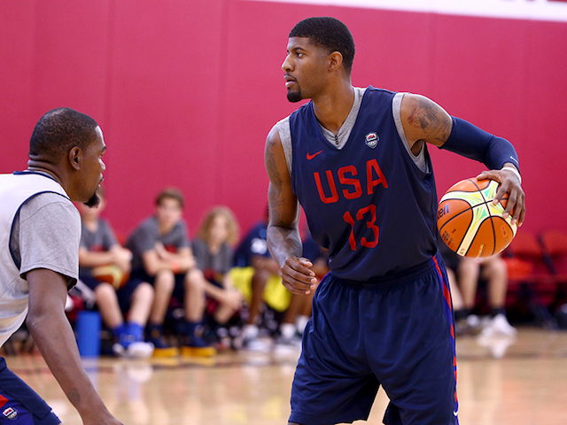 Paul George vs Kevin Durant in practice. [Nathaniel S. Butler/USAB]