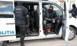 perchezitii-mascati-politia