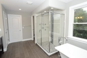 4378_stonecrest_dr_MLS_HID754665_ROOMmasterbathroom1.jpg?fit=1024%2C678&ssl=1