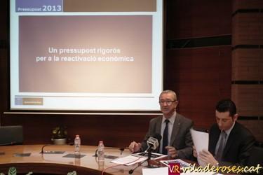 L'alcalde Carles Pàramo i el regidor d'Hisenda Manel Escobar presentant els pressupostos