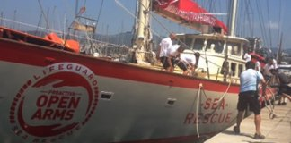 Proactiva Open Arms al port de Roses