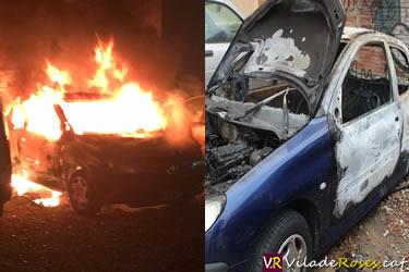 Cotxe cremat a Roses