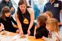 De fer tallers de xocolata a Roses a realitzar tallers virtuals per fer més entretingut i dolç el confinament a casa