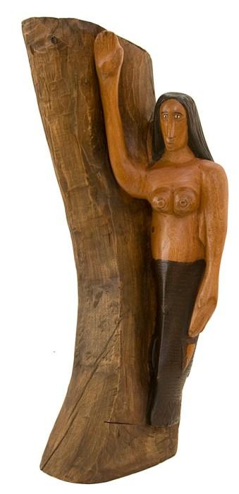 A Sereia, de Bento de Sumé, escultura em madeira