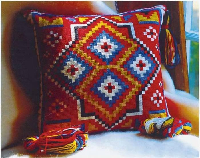 Faça você mesma sua almofada em tapeçaria