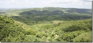Vista de Alagoa Grande, lá embaixo