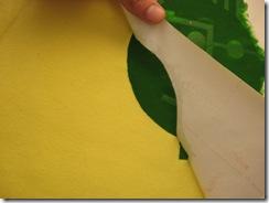 Retire o molde de stencil com cuidado
