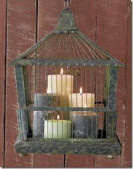 Arranjo de velas na gaiola