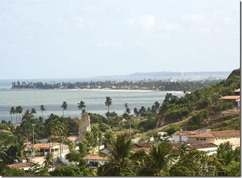 Aqui embaixo a cidade de Pitimbú e bem ao fundo Pernambuco