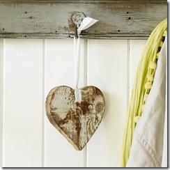 Coração em madeira para decorar maçanetas