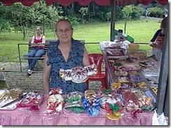 Vó Ana com seus doces deliciosos na festa do bosque do papa