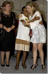 Zefinha com Sandra Moura acompanhadas da primeira dama Maria de Fátima Maranhão
