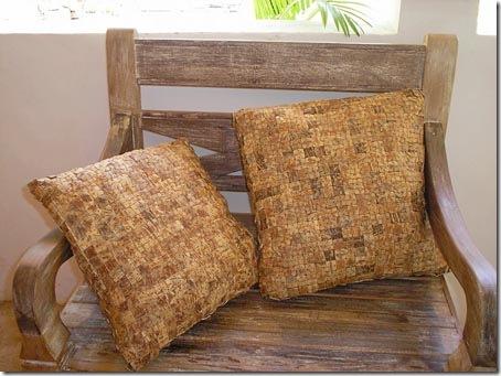 Almofadas feitas com pastilhas de coco