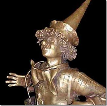 Detalhe da escultura em bronze do palhaço