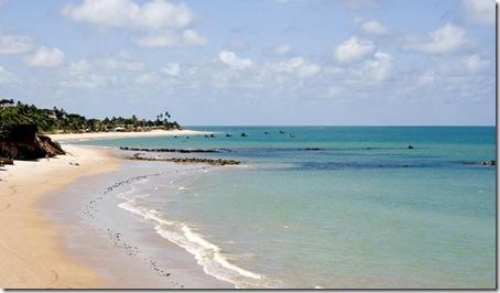 No final vemos a praia de Jacumã e os barcos dos pescadores