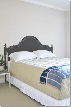 A cama clássica é falsa, é um adesivo de parede