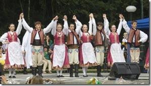 Esse é o grupo jovem de danças folclóricas