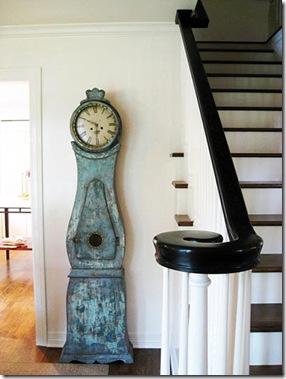 Relógio antigo com pedestal, peça de antiquário