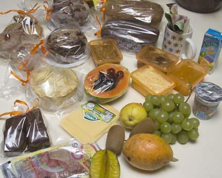 Os produtos da cesta de café da Vó Ana