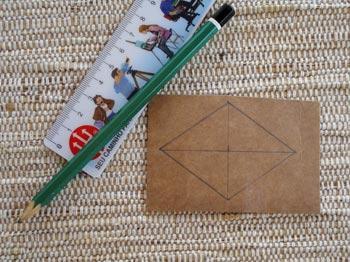 Desenhe um molde num cartão