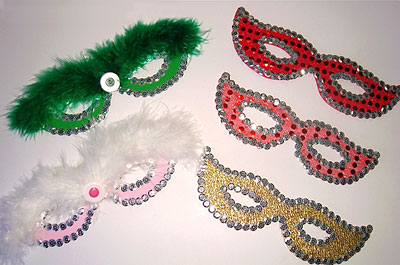 Máscara clássicas de carnaval criadas por Manoela Nunes