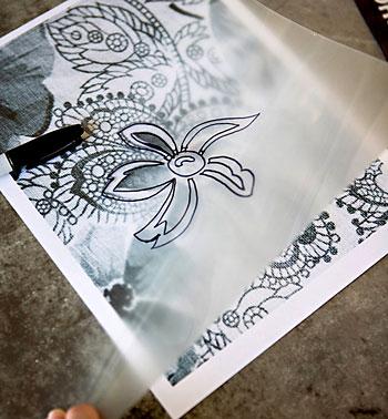 Copie o desenho para uma folha de acetato transparente