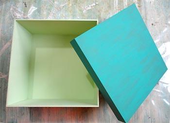 Dê quantas demãos precisarem para cobrir bem a caixa