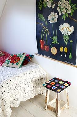 Artesanato em crochê dão o toque aconchegante à decoração