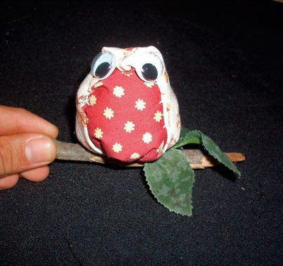 Coruja de tecido para artesanato em móbiles, chaveiros e peças decorativas
