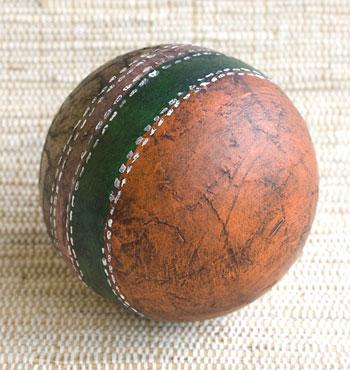 Bola de couro ecológico, o falso couro, um efeito de artesanato